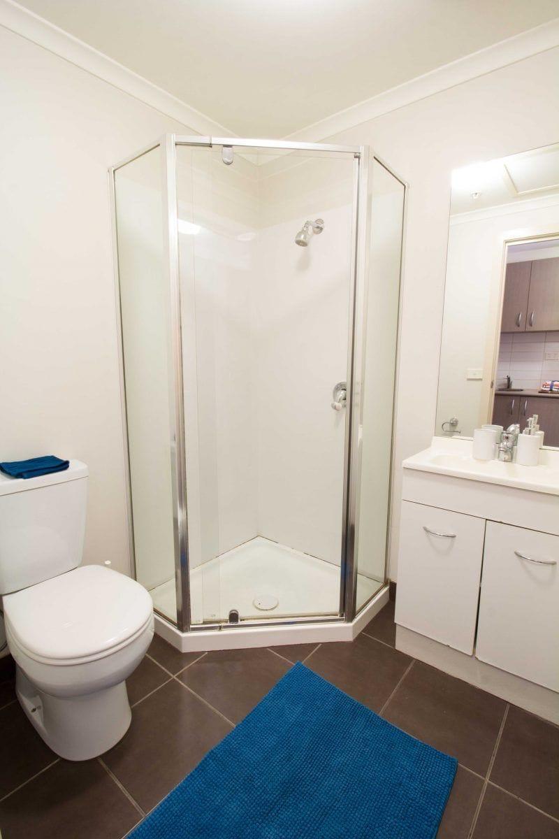 133DroopStreet_Footscray-Melbourne-Bathroom-Unilodgers