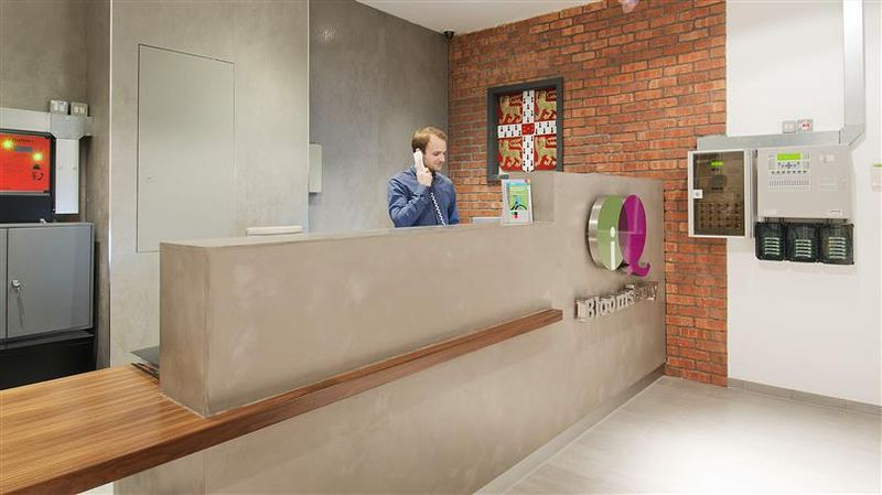 iQ-Bloomsbury-London-Reception-Unilodges