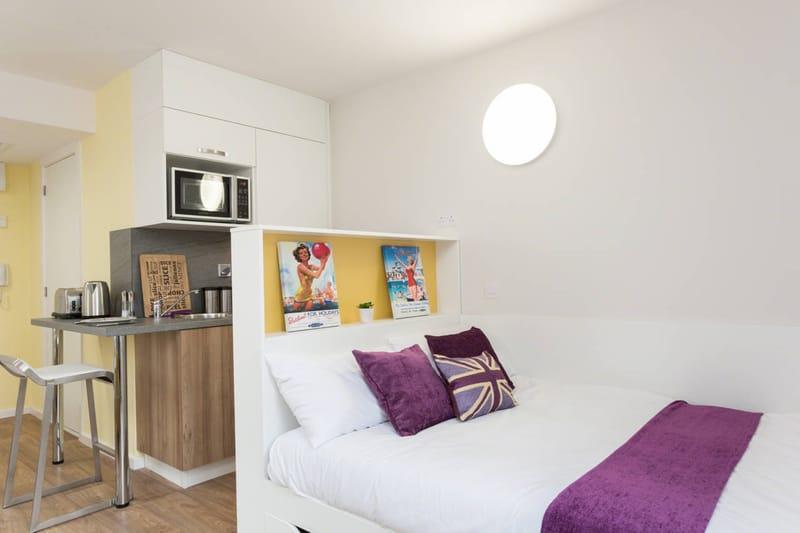 Foss Studios Bedroom Unilodgers