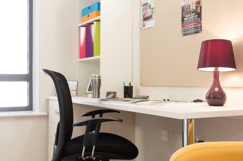 Foss Studios Study Room Unilodgers