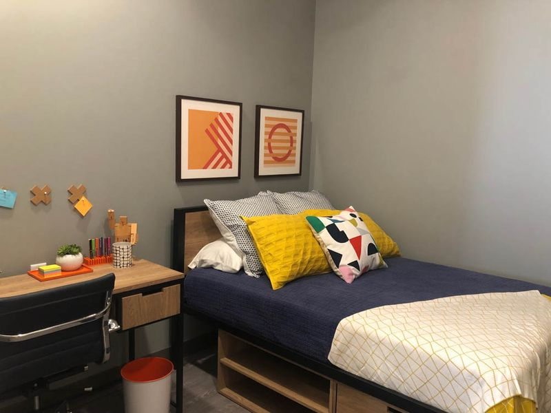 The-Dean-Campustown-Champaign-IL-Bedroom-2-Unilodgers