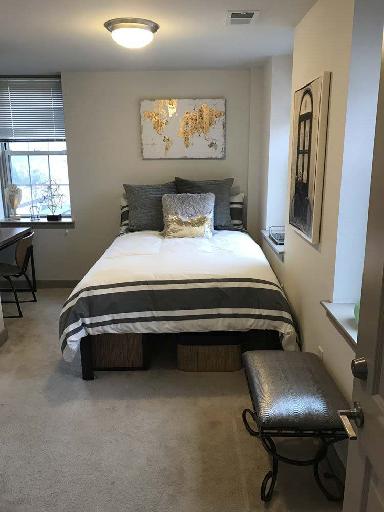 Charles-Baltimore-MD-Bedroom-Unilodgers