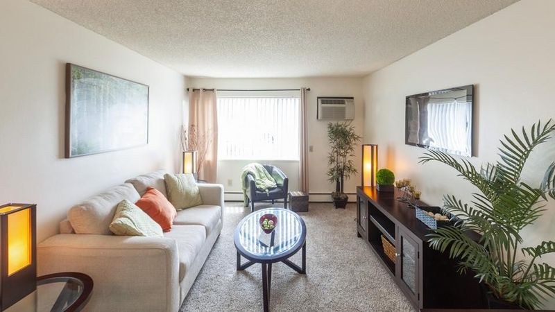 The-Social-At-Stadium-Walk-Fort-Collins-CO-Living-Area-Unilodgers