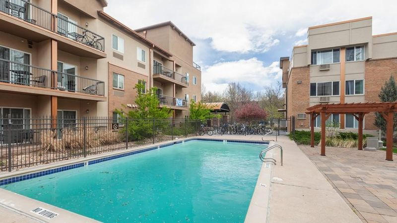 The-Social-At-Stadium-Walk-Fort-Collins-CO-Swimming-Pool-Unilodgers