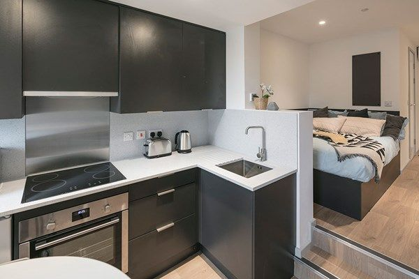 Olympic-Way-London-Kitchen-Area-Unilodgers