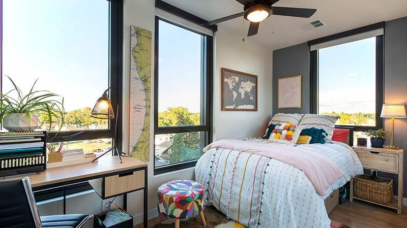 Hub-On-Campus-East-Lansing-MI-Bedroom2-Unilodgers.jpg