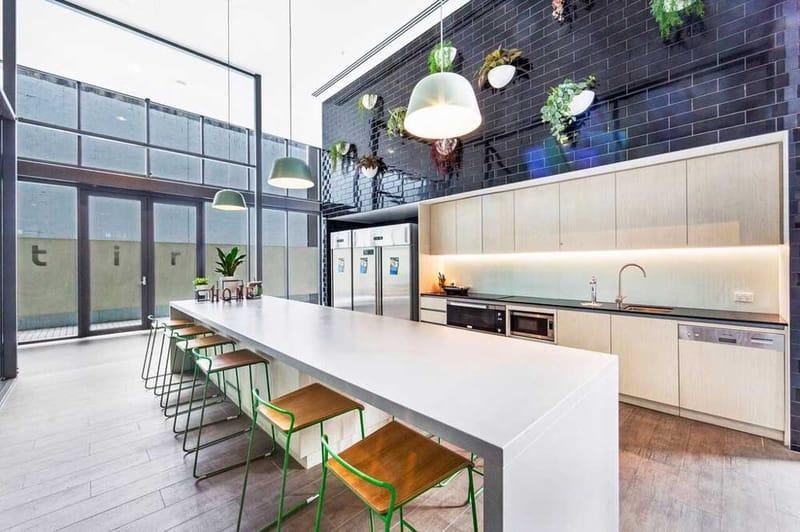 Atira-Merivale-Street-Brisbane-Kitchen-Unilodgers