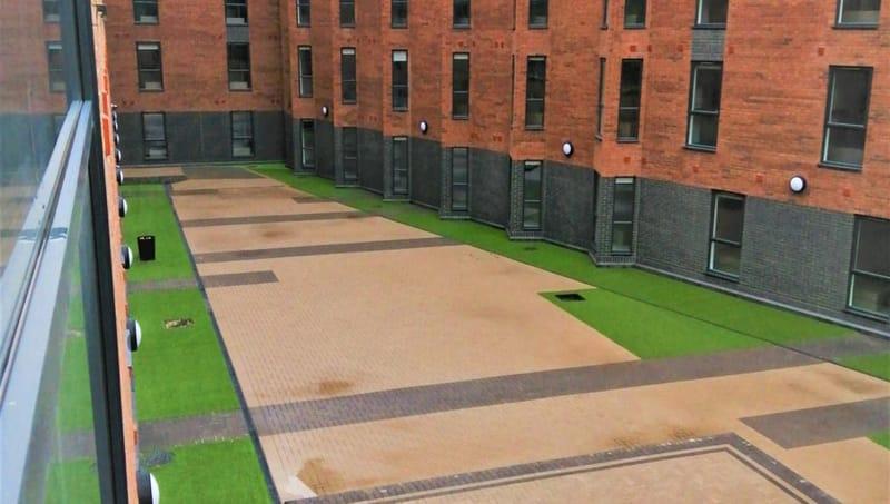 Q-Studios-Stoke-On-Trent-Exterior-View-Unilodgers