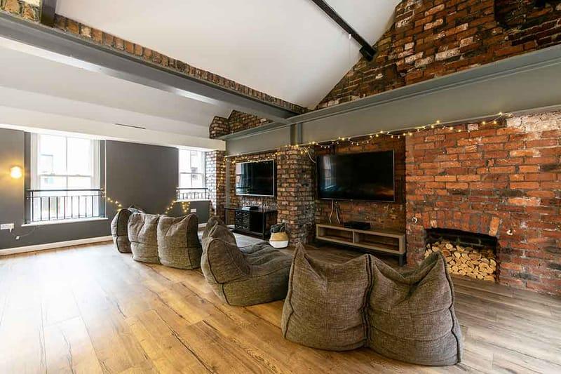 Sheffield-3-Sheffield-Media-Lounge-Unilodgers