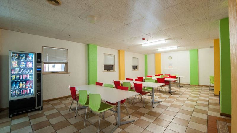 Student-Living-Kent-Town-Adelaide-Dining-Area-Unilodgers