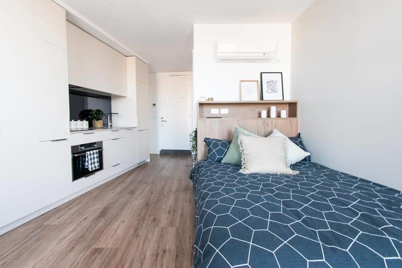 Park-Avenue-Parkville-Melbourne-Bedroom-Unilodgers