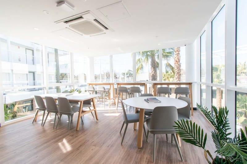 Park-Avenue-Parkville-Melbourne-Common-Room-Unilodgers