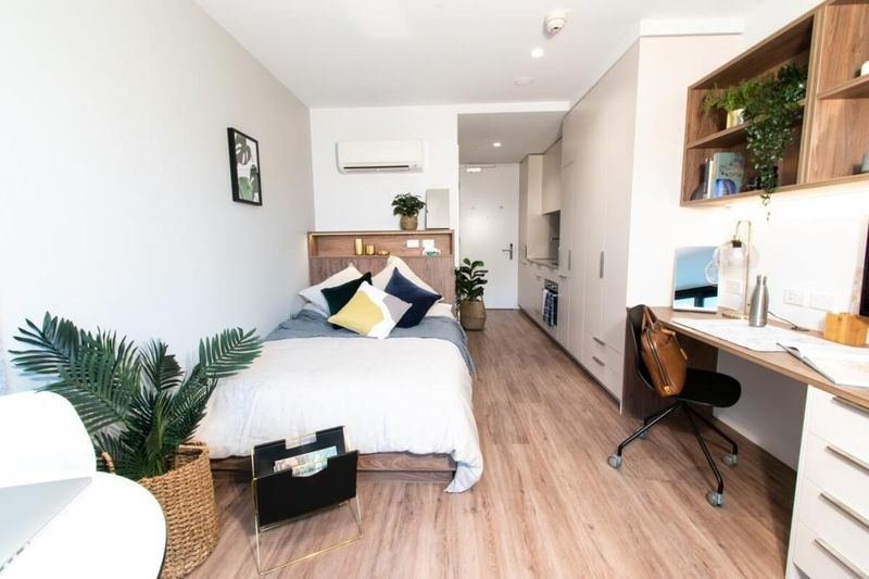 Park-Avenue-Parkville-Melbourne-Premium-Studio-Unilodgers