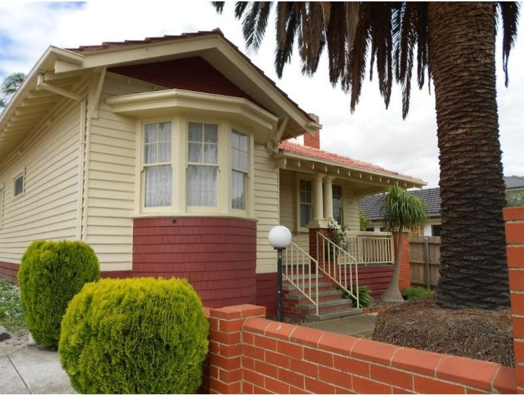 Unit-5-76-Madeleine-Road-Clayton-Student-Accommodation-Melbourne-Exterior-Unilodgers