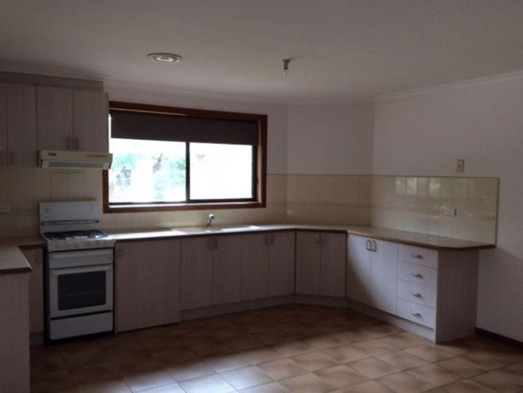 Unit-1-450-Haughton-Road-Clayton-Student-Accommodation-Melbourne-Kitchen-Unilodgers