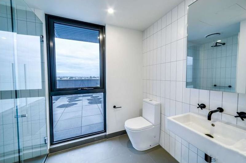 601-37-43-Breese-Street-Brunswick-Student-Accommodation-Melbourne-Bathroom-Unilodgers
