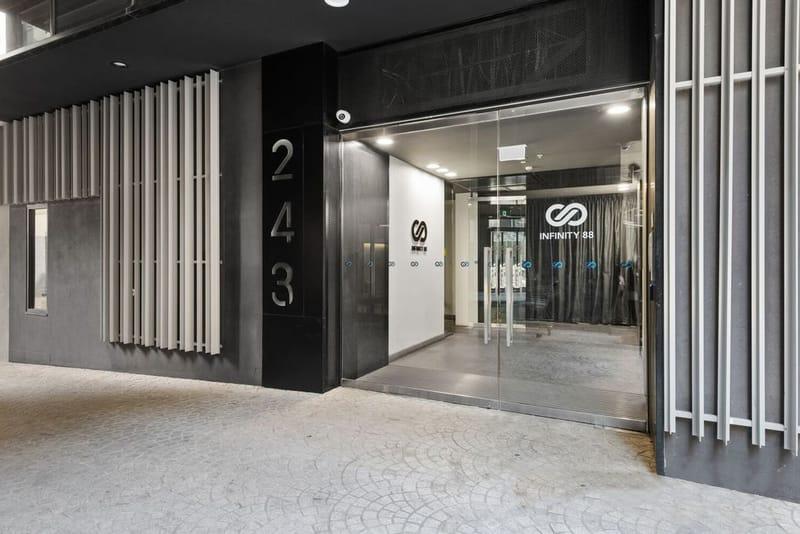 409-243-Franklin-Street-Melbourne-Student-Accommodation-Melbourne-Entrance-Unilodgers