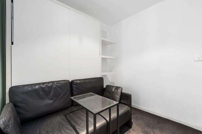 409-243-Franklin-Street-Melbourne-Student-Accommodation-Melbourne-Living-Area-Unilodgers