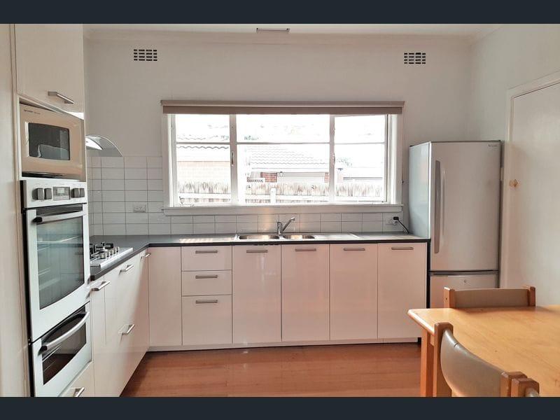 1-24-Stockdale-Avenue-Clayton-Student-Accommodation-Melbourne-Kitchen-Unilodgers