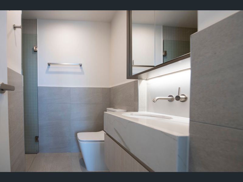 1809-377-Spencer-Street-Melbourne-Student-Accommodation-Melbourne-Bathroom-Unilodgers