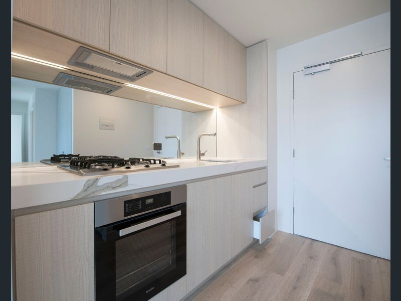 1809-377-Spencer-Street-Melbourne-Student-Accommodation-Melbourne-Kitchen-Unilodgers