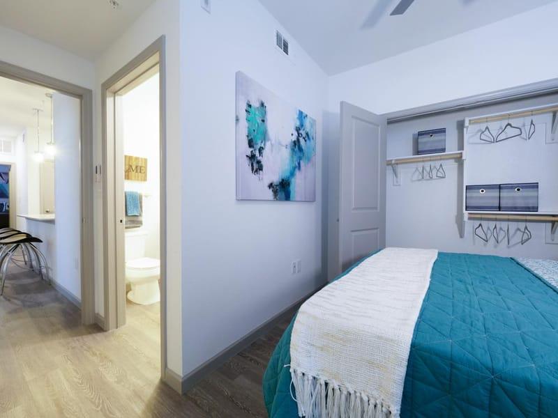 Liv-Arlington-TX-Bedroom-3-Unilodgers