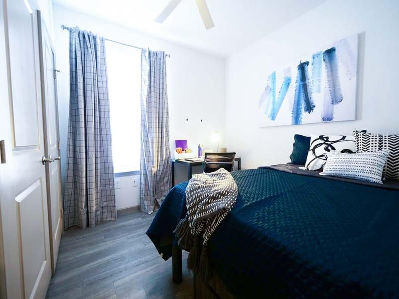 Liv-Arlington-TX-Bedroom-4-Unilodgers
