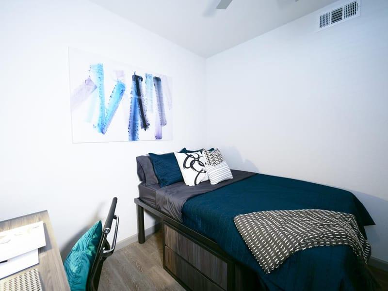 Liv-Arlington-TX-Bedroom-5-Unilodgers