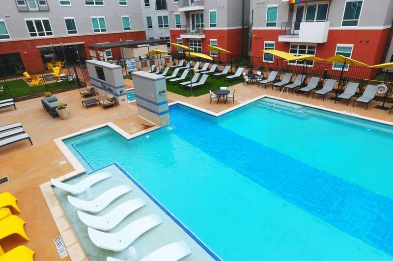 Liv-Arlington-TX-Swimming-Pool-Unilodgers