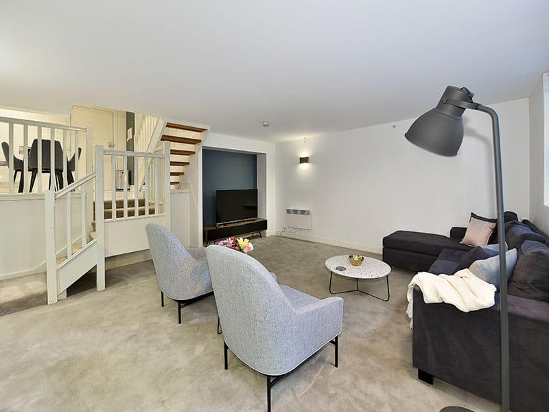 402-408-La-Trobe-Street-Melbourne-Living-Area-2-Unilodgers
