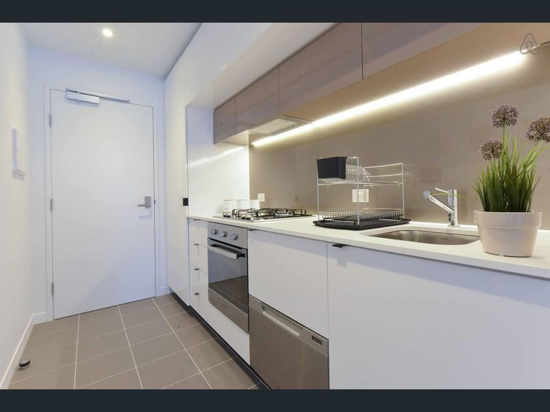 1807-80-A-Beckett-Street-Melbourne-Student-Accommodation-Melbourne-Kitchen-Unilodgers
