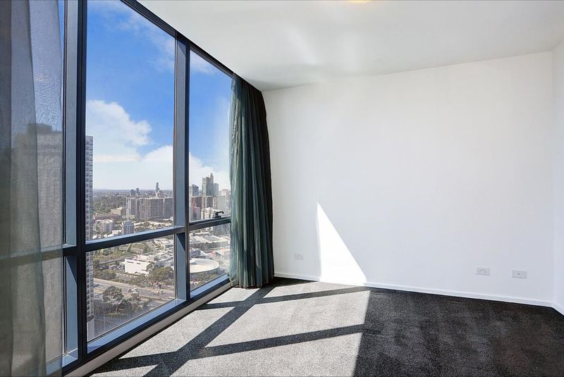 3203-241-City-Road-Southbank-Student-Accommodation-Melbourne-Balcony-Unilodgers
