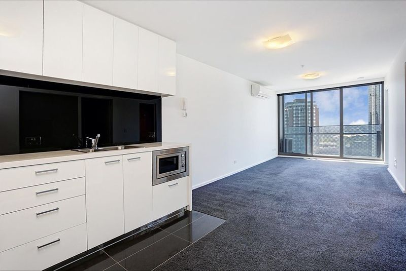 3203-241-City-Road-Southbank-Student-Accommodation-Melbourne-Living-Area-Unilodgers
