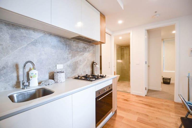 805-23-Batman-Street-West-Melbourne-Student-Accommodation-Melbourne-Kitchen-Unilodgers