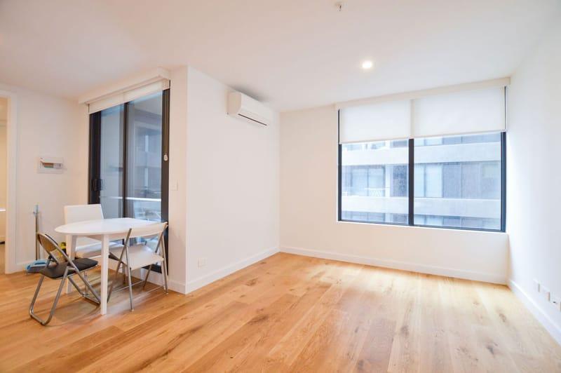 805-23-Batman-Street-West-Melbourne-Student-Accommodation-Melbourne-Living-Area-Unilodgers