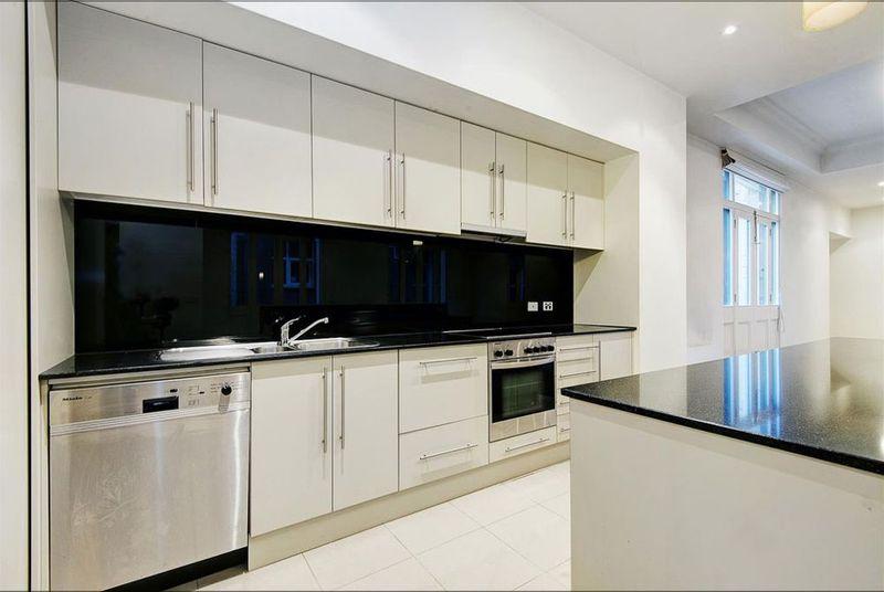303-8-Bligh-Place-Melbourne-Student-Accommodation-Melbourne-Kitchen-Unilodgers