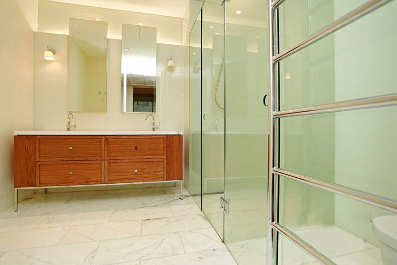 402-150-Clarendon-Street-East-Melbourne-Student-Accommodation-Melbourne-Bathroom-Unilodgers