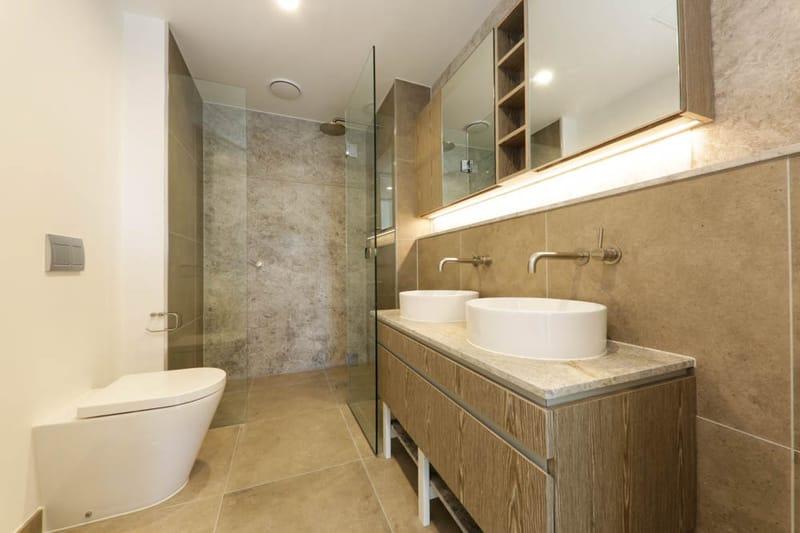 1806-15-31-Batman-Street-West-Melbourne-Student-Accommodation-Melbourne-Bathroom-2-Unilodgers