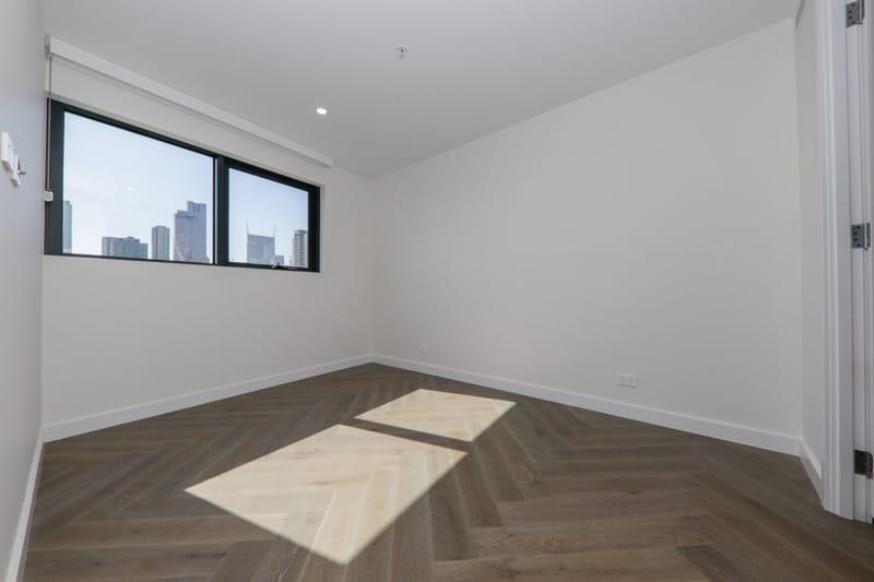 1806-15-31-Batman-Street-West-Melbourne-Student-Accommodation-Melbourne-Bedroom-2-Unilodgers
