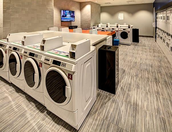 The-Castilian-Austin-TX-Laundry-Room-Unilodgers
