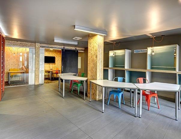 TWELVE-At-U-District-Seattle-WA-Study-Lounge-Unilodgers