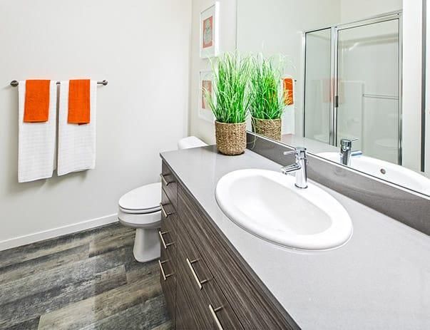 Bridges-@-11th-Seattle-WA-Bathroom-Unilodgers
