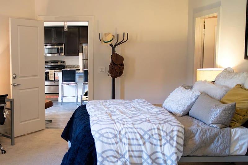 Prado-San-Antonio-TX-Bedroom-Unilodgers