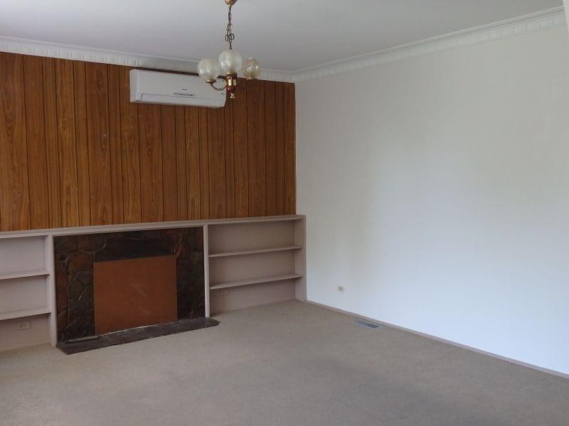 Unit-1-47-Jaguar-Drive-Clayton-Student-Accommodation-Melbourne-Living-Area-Unilodgers