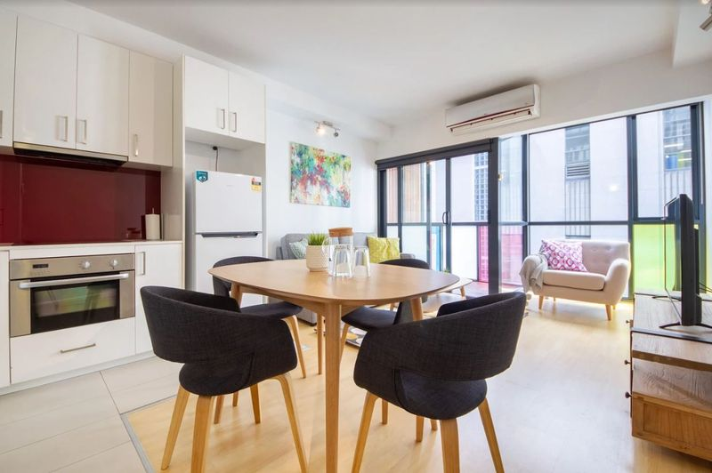 602-18-russell-place-melbourne-student-accommodation-Melbourne-Living-Area-1-Unilodgers