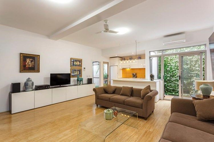 3-118-haines-street-north-melbourne-student-accommodation-Melbourne-Living-Area-1-Unilodgers