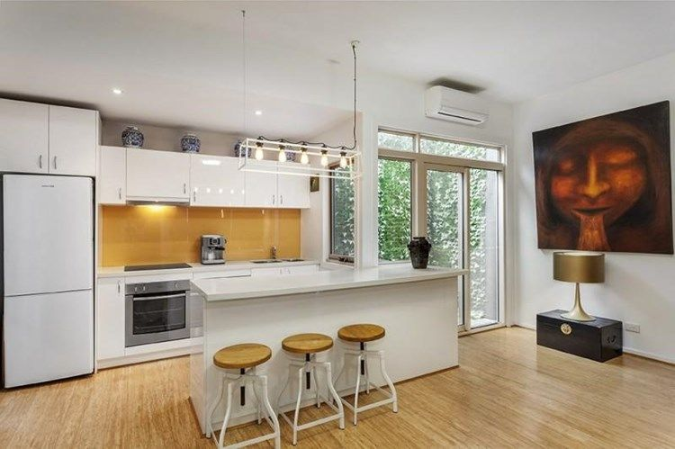 3-118-haines-street-north-melbourne-student-accommodation-Melbourne-Kitchen-Unilodgers
