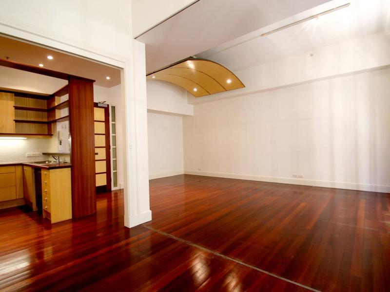 203-258-flinders-lane-melbourne-student-accommodation-Melbourne-Living-Area-2-Unilodgers