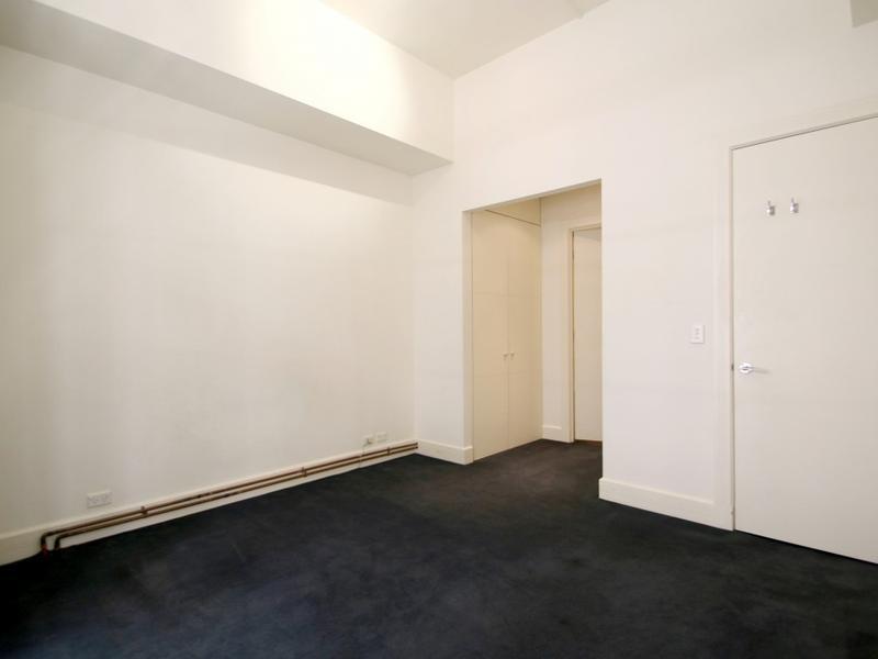 203-258-flinders-lane-melbourne-student-accommodation-Melbourne-Bedroom-1-Unilodgers