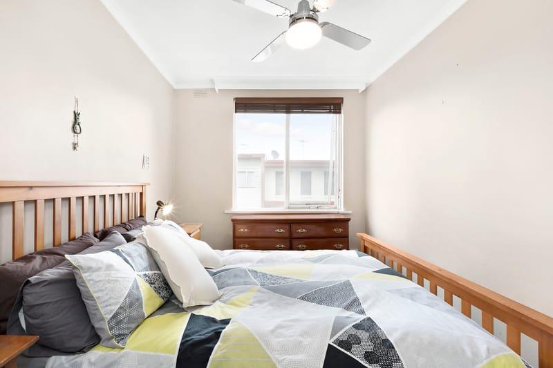 5-109-ross-street-port-melbourne-student-accommodation-Melbourne-Bedroom-2-Unilodgers